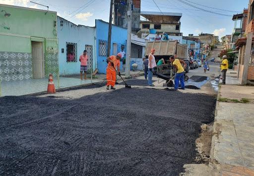 Serviço De Poda, Roçagem E Operação Tapa Buraco Garante Manutenção De Ruas Em Itabuna