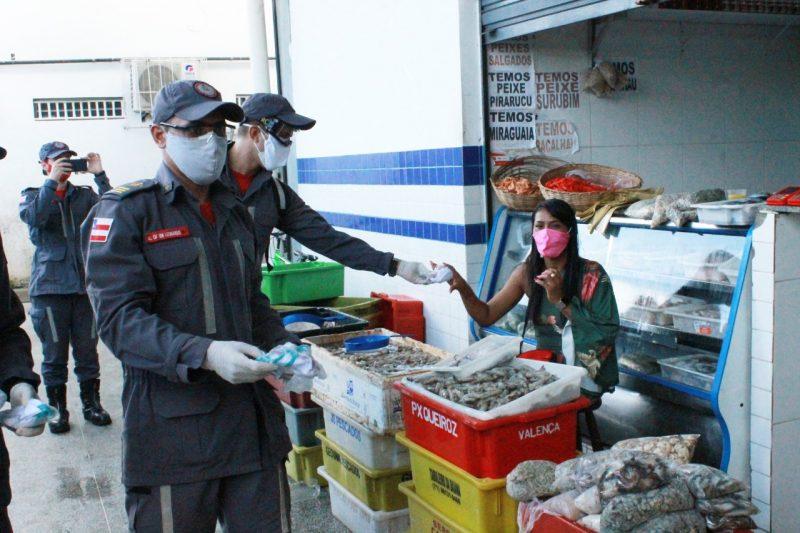 Ação Contra O Covid-19 Distribui Mais De 1 Mil Máscaras No Mercado De Paripe