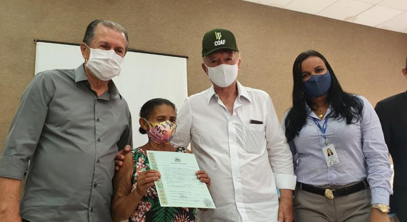Agricultores Familiares De Barra Recebem 234 Títulos De Terra Registrados Em Cartório