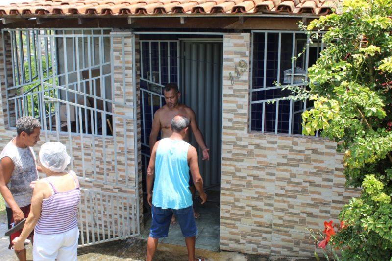 Adutora Da Emasa Rompe Sobre Casa Construída De Forma Irregular No São Roque