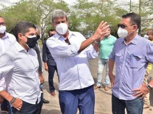 ACM Neto diz em Feira que vai retomar viagens para debater a Bahia